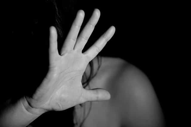 une femme victime de violences psy